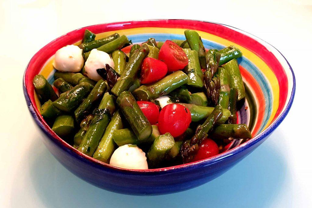 Spargelsalat mit Mozzarella