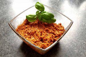 pesto mit getrockneten tomaten