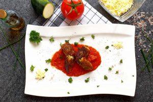Gnocchetti di zucchine auf Tomatensoße