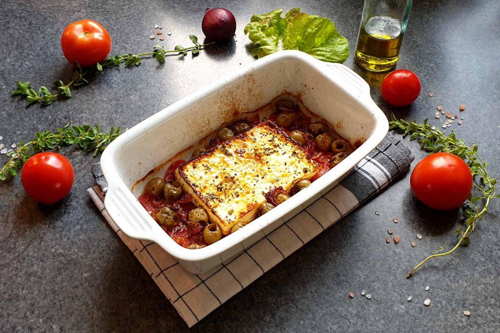 gebackener Feta auf Tomatenbett