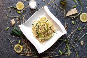 Pasta mit Lauch in cremiger Zitronen-Sahne-Soße