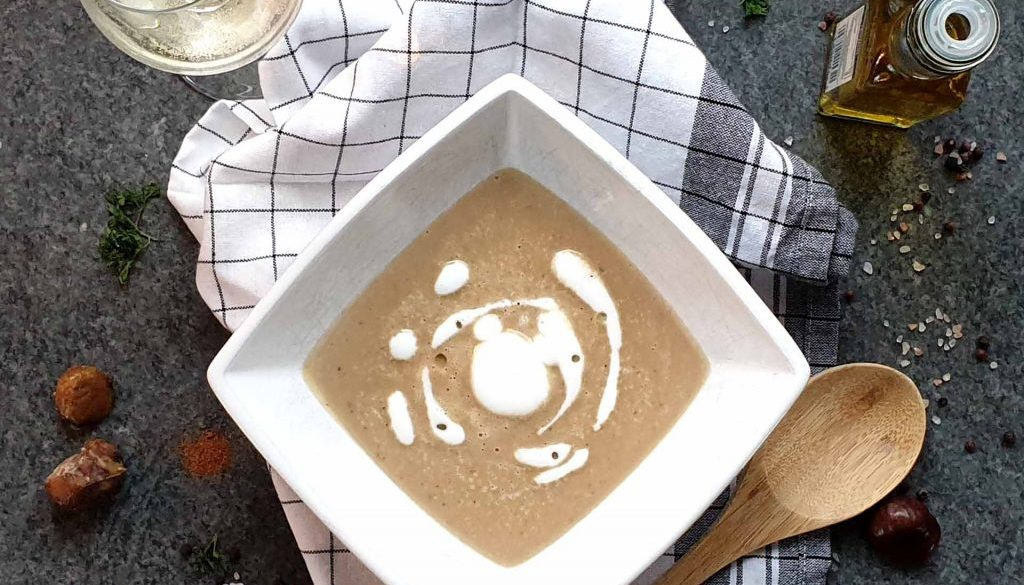 Maronensuppe mit Milch-Trüffel-Schaum