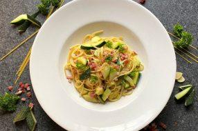 Spaghetti Carbonara mit Zucchini