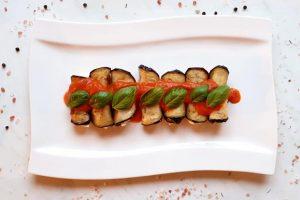 auberginenröllchen mit mozzarella