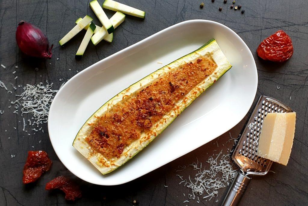 Gefüllte Zucchini vegetarisch